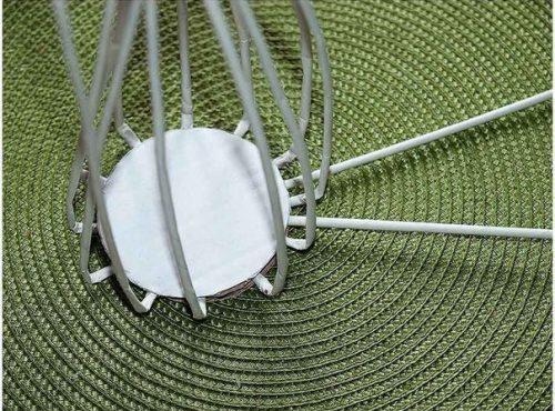 Плетем вазочку из газетных трубочек2