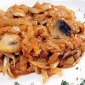 Капуста, жаренная с грибами