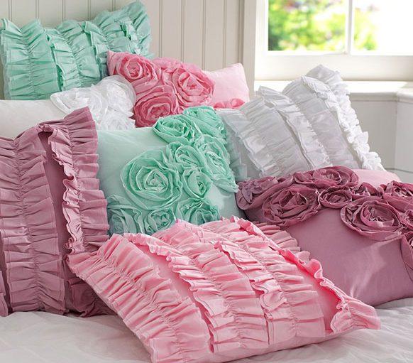 Декоративные подушки в интерьере 2