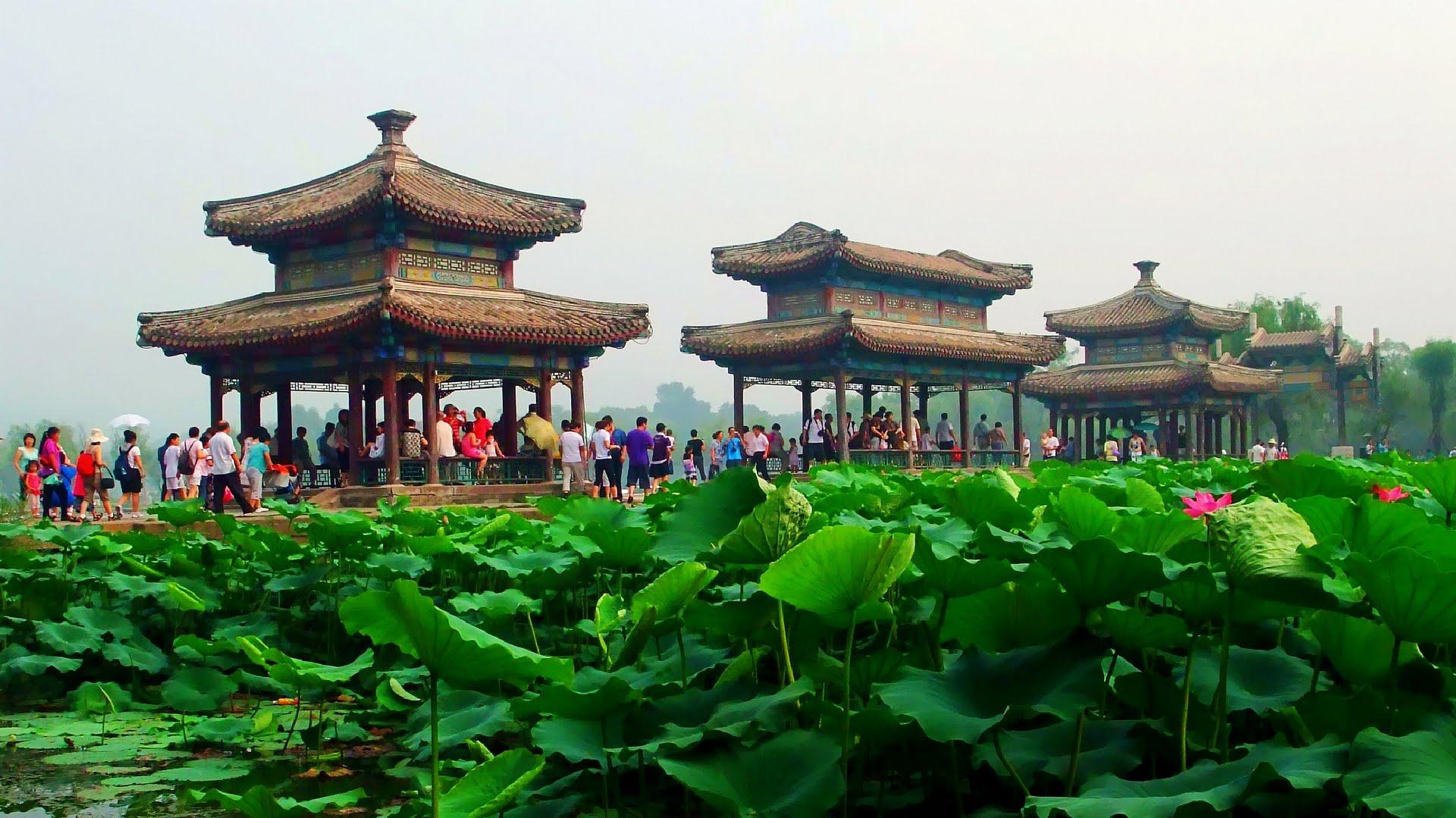 Летняя императорская усадьба в Чендэ, провинция Хэбэй
