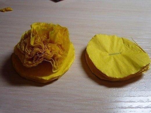 Одуванчики из салфеток